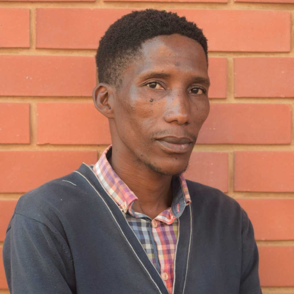 Thembeni Nqweniso